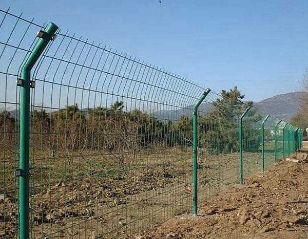 双边丝护栏网.jpg