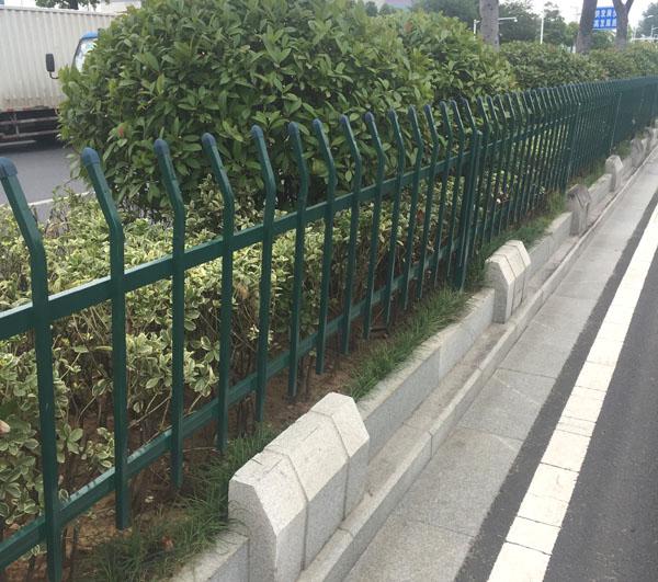 公园护栏.jpg