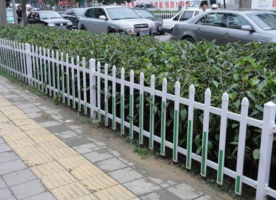 花园围栏.jpg